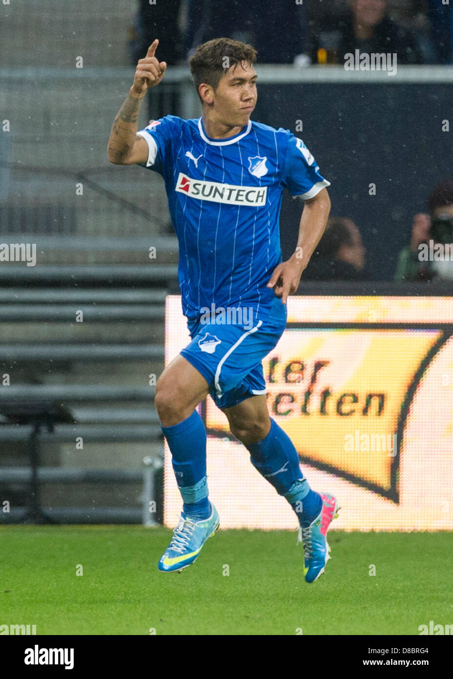 new style cd8a0 2a2c8 Hoffenheim's Roberto Firmino celebrates after scoring the 2 ...