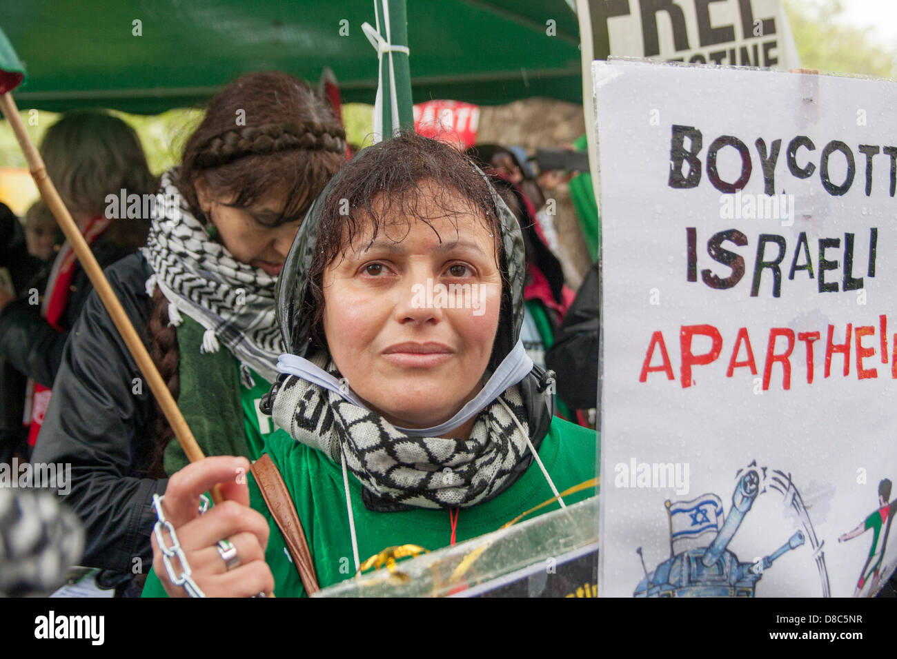 London, UK. 24th May 2013. A protester demonstrates outside the UEFA congress in London demanding that Israel is - Stock Image