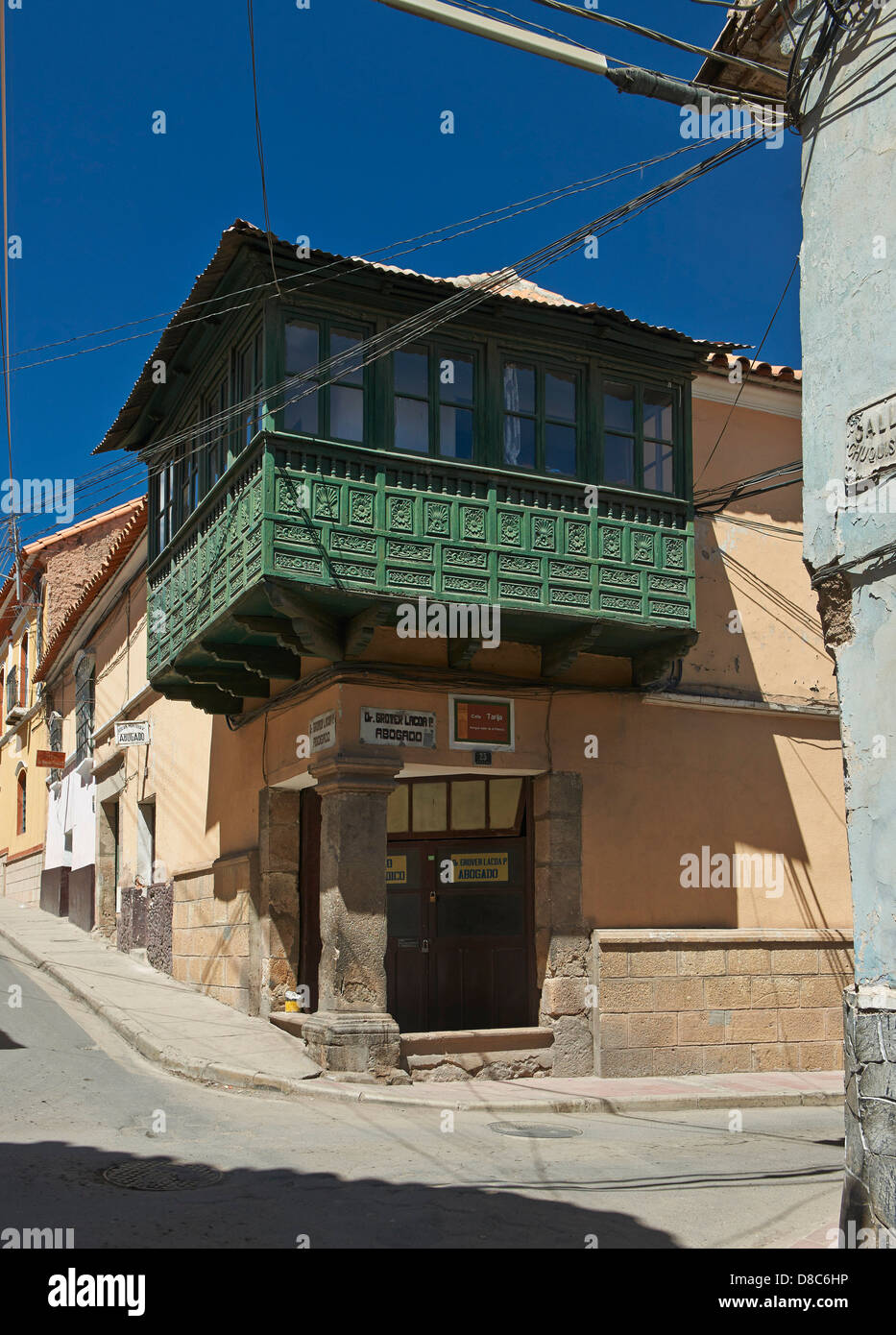 Colonial architecture in the streets of Potosi, Bolivia - Stock Image
