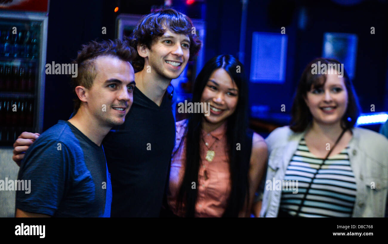 Frankie muniz and his band kingsfoil meet and greet with fans after frankie muniz and his band kingsfoil meet and greet with fans after their guildford gig on their debut uk tour m4hsunfo