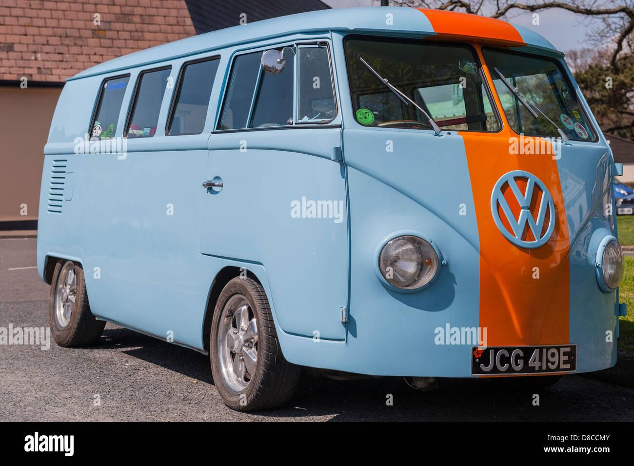 A split screen VW campervan in the Uk - Stock Image