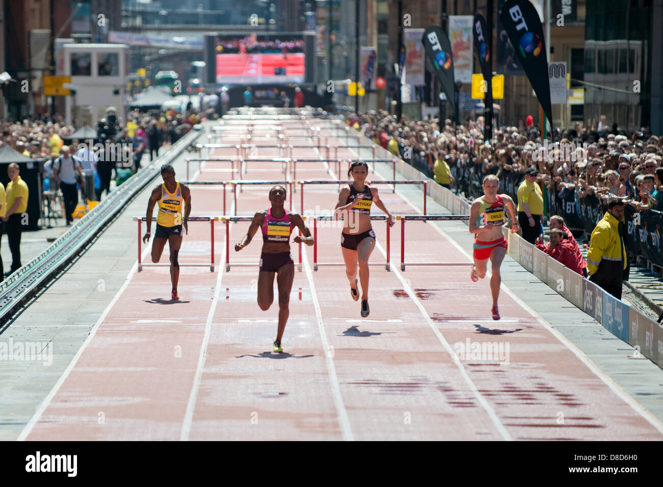 MANCHESTER, UK. 25th May 2013. Perri Shakes-Drayton of Great Britain sprints to take 1st place in the Womens 200m - Stock Image