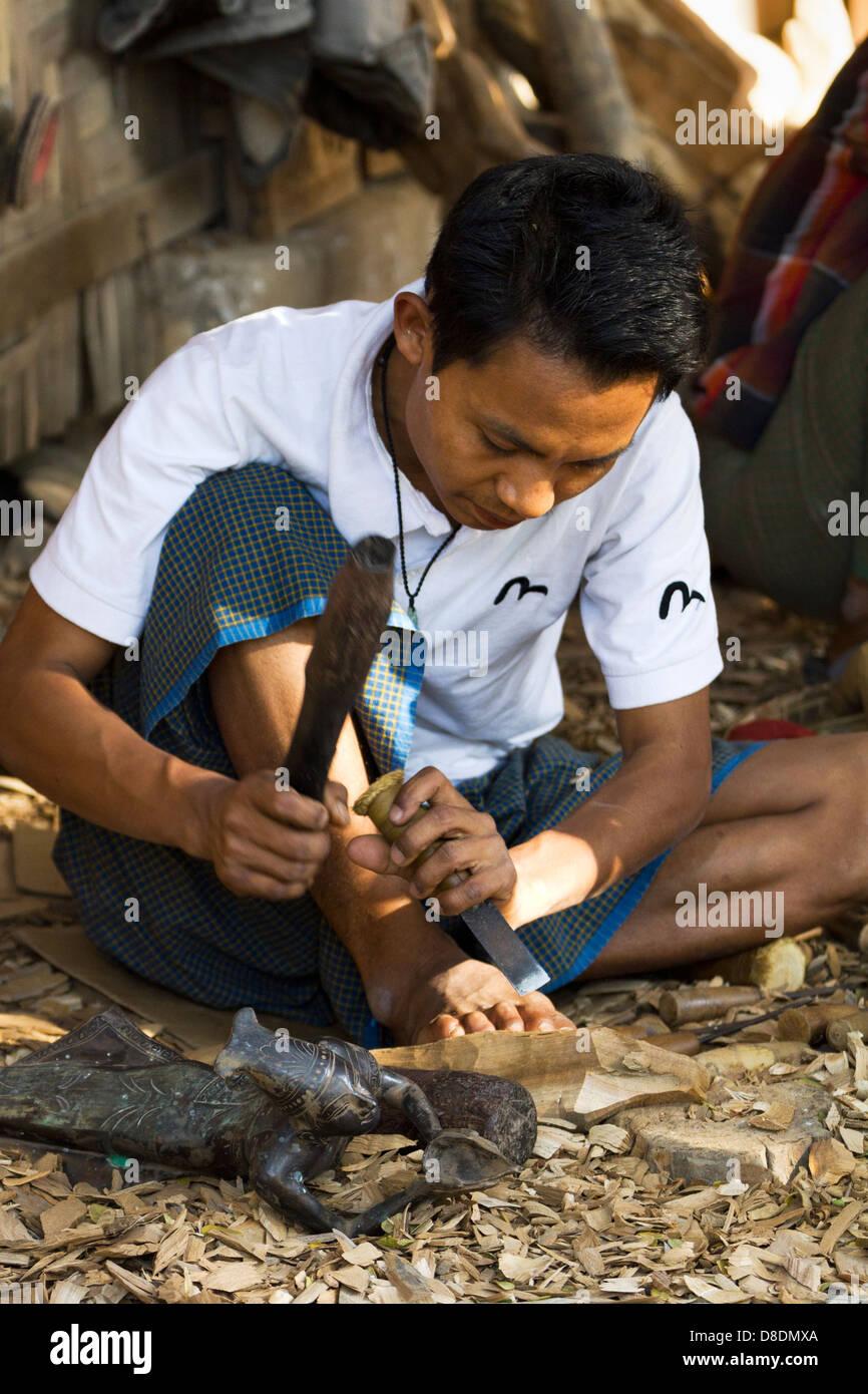 Carving Burmese marionettes in Mandalay, Myanmar 4 Stock Photo