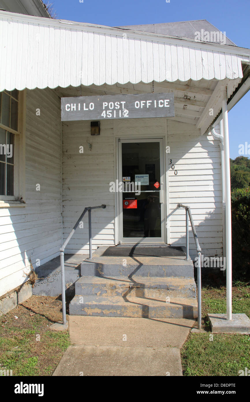 Small town post office Chilo Ohio meet socialize talk meeting rural close closing closed - Stock Image
