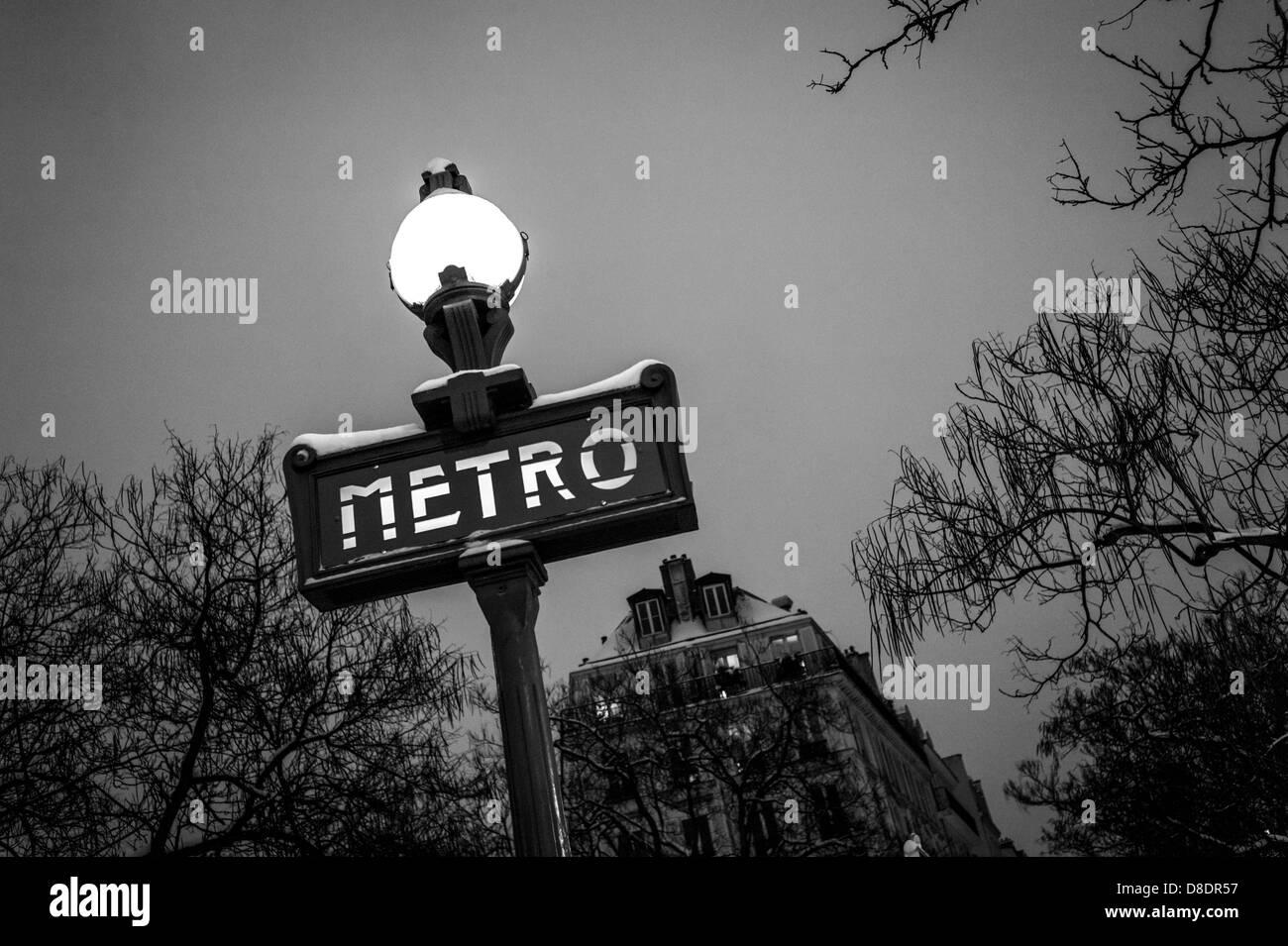 Plaque Metro Parisien Deco ornate street sign stock photos & ornate street sign stock