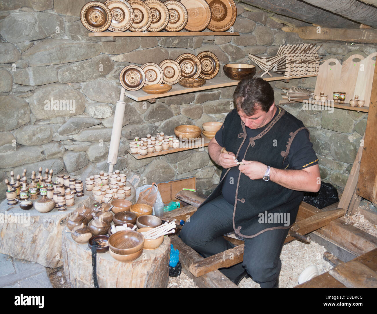 Europe, Bulgaria, Etar Ethnographic Village Museum, wood carver - Stock Image