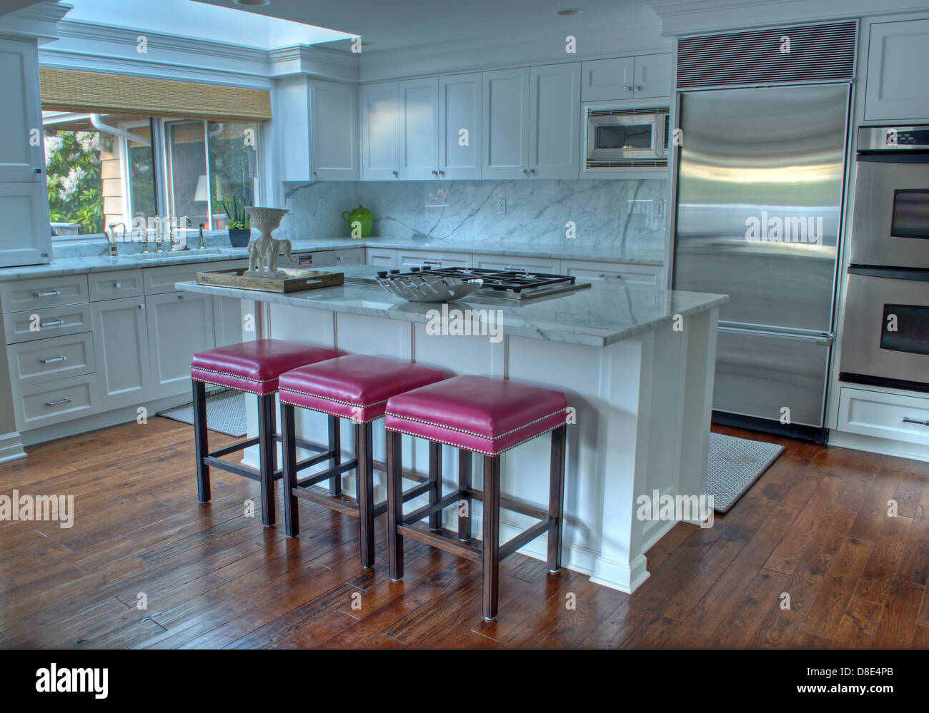 Pink Bar Stools Stock Photos & Pink Bar Stools Stock Images - Alamy
