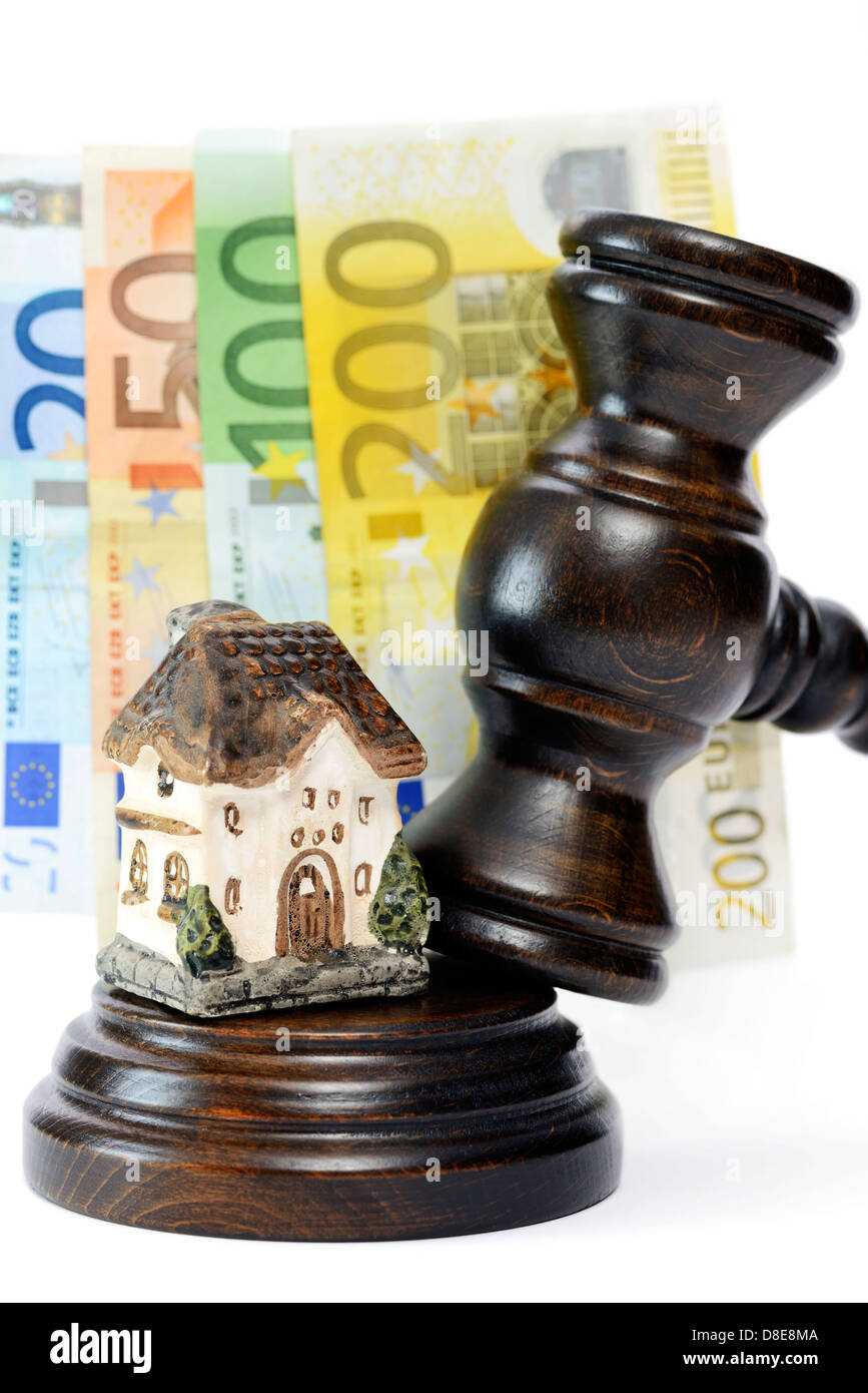 Gavel and miniature house symbol photo foreclosure Stock Photo