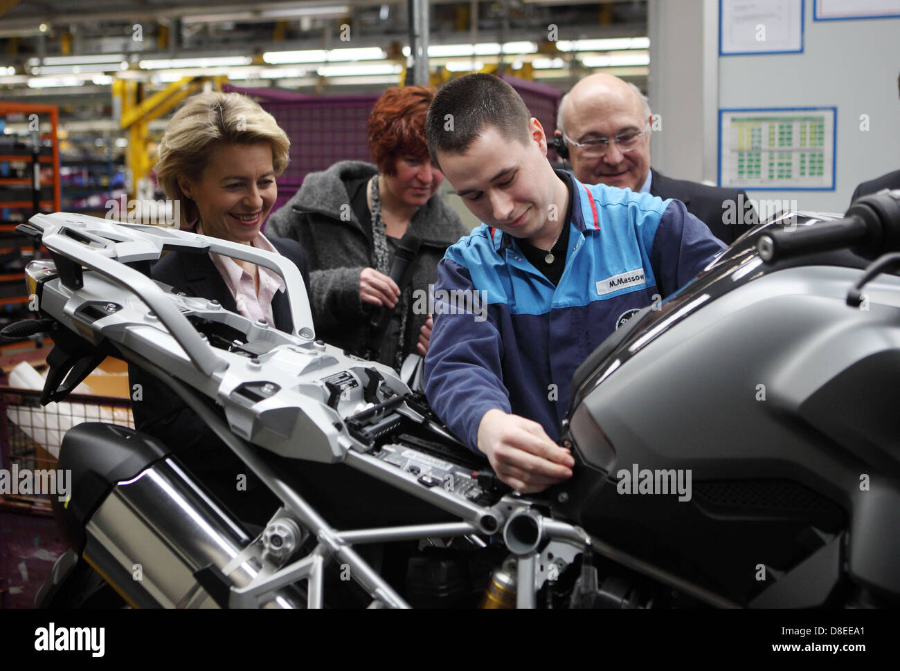 Berlin, Germany, Michel Sapin, PS, and federal Labour Minister Ursula von der Leyen, the BMW Motorrad plant - Stock Image