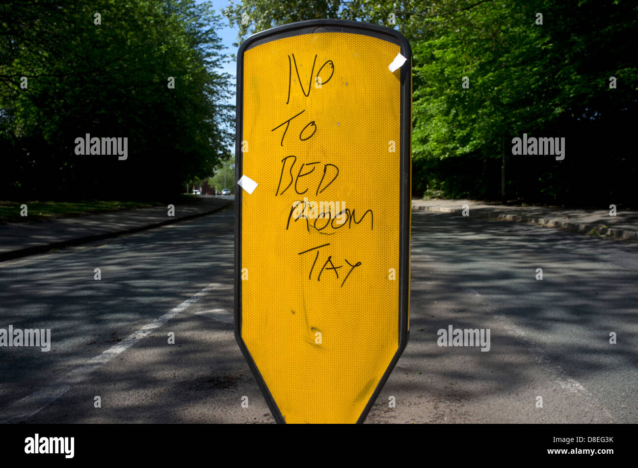"""""""No to bedroom tax"""" graffiti in Stockport, Greater Manchester Stock Photo"""