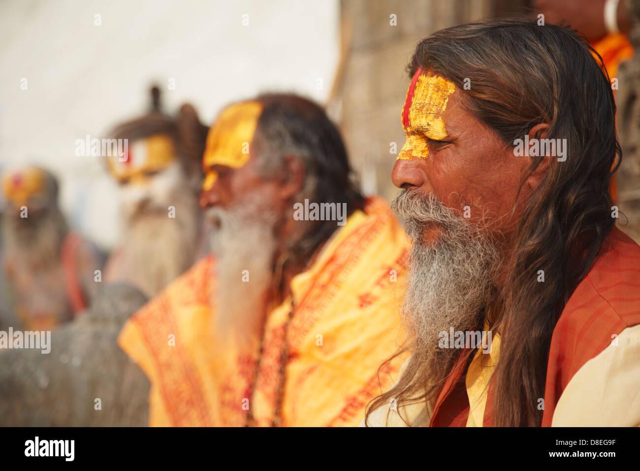Sadhus (Holy men) at Pashupatinath Temple, Kathmandu, Nepal - Stock Image
