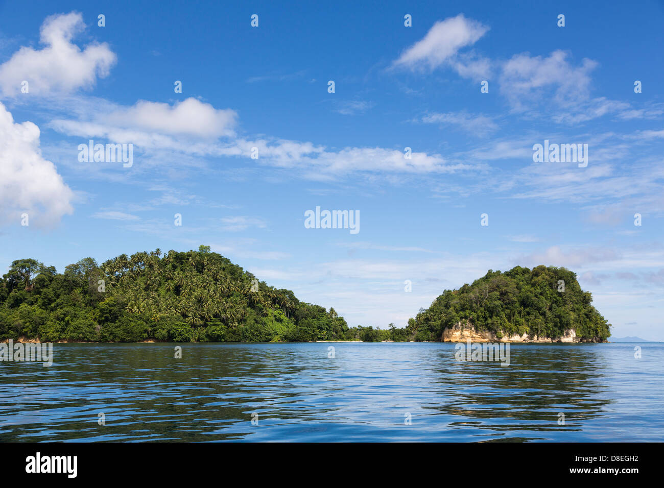 beach in the Togians island in Sulawesi, Indonesia - Stock Image