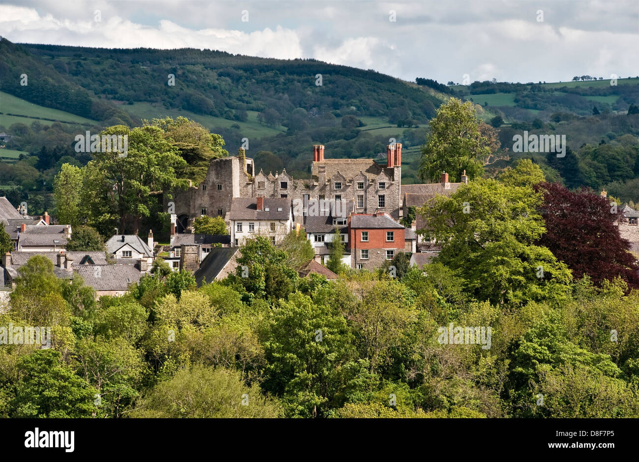 The town of Hay-on-Wye (on the Herefordshire - Wales border) is dominated by its Jacobean castle and the Black Mountains - Stock Image