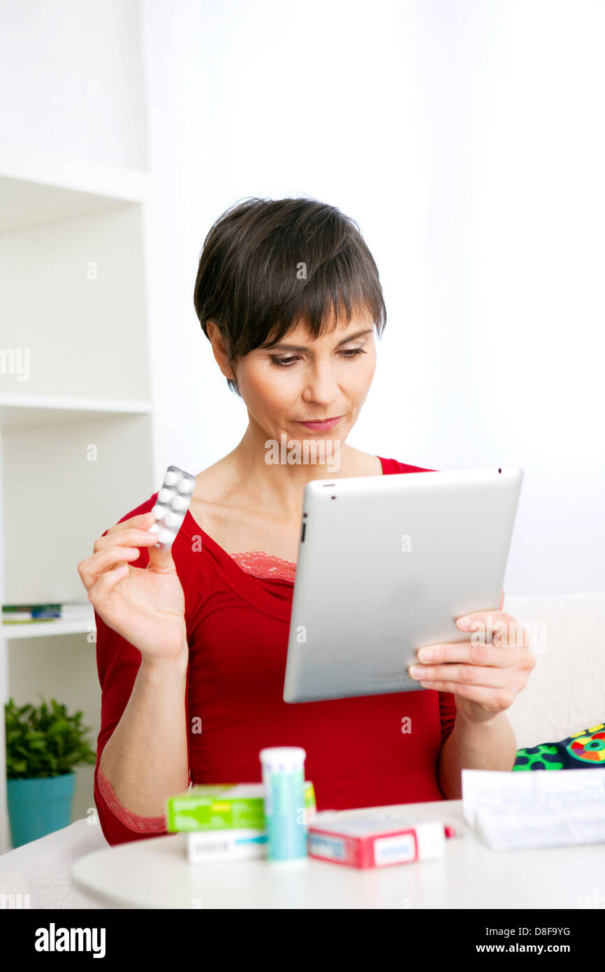 E-COMMERCE MEDICATION - Stock Image