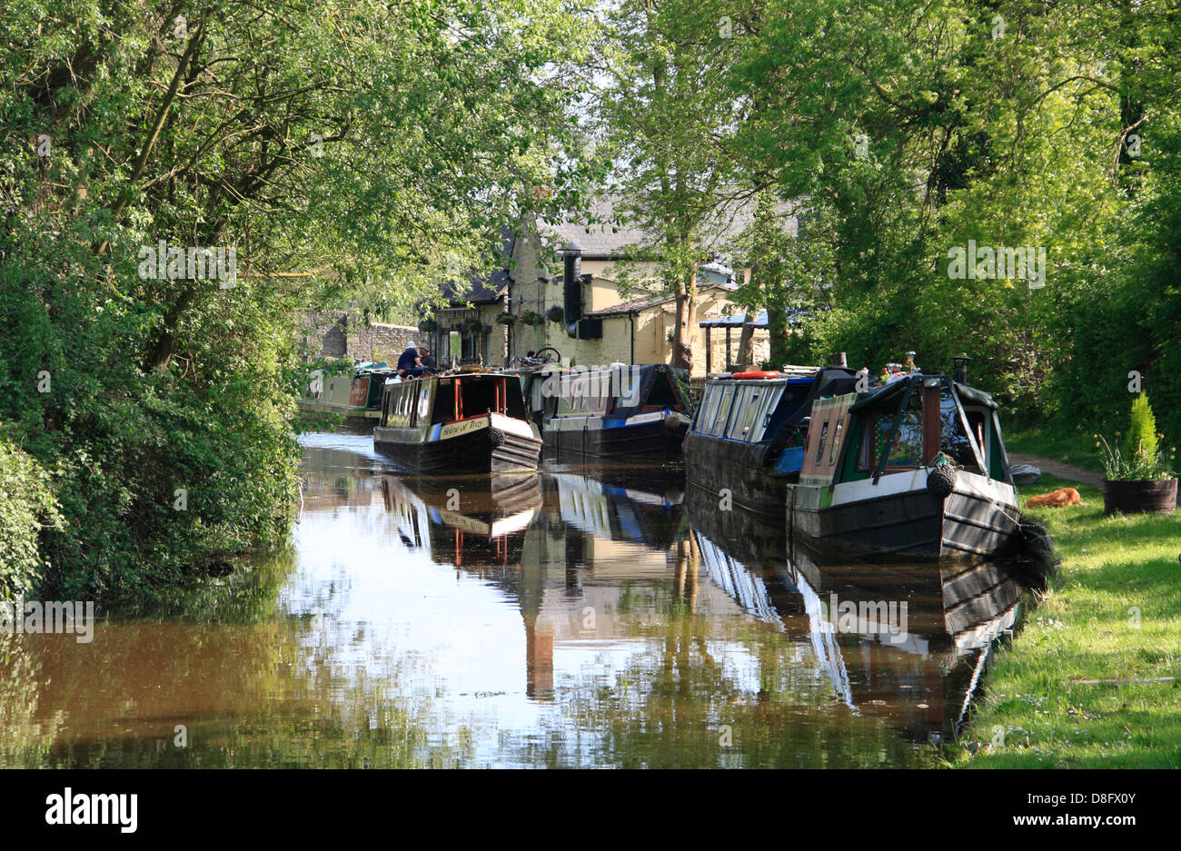 Narrowboats on the Oxford Canal near Thrupp in Oxfordshire - Stock Image