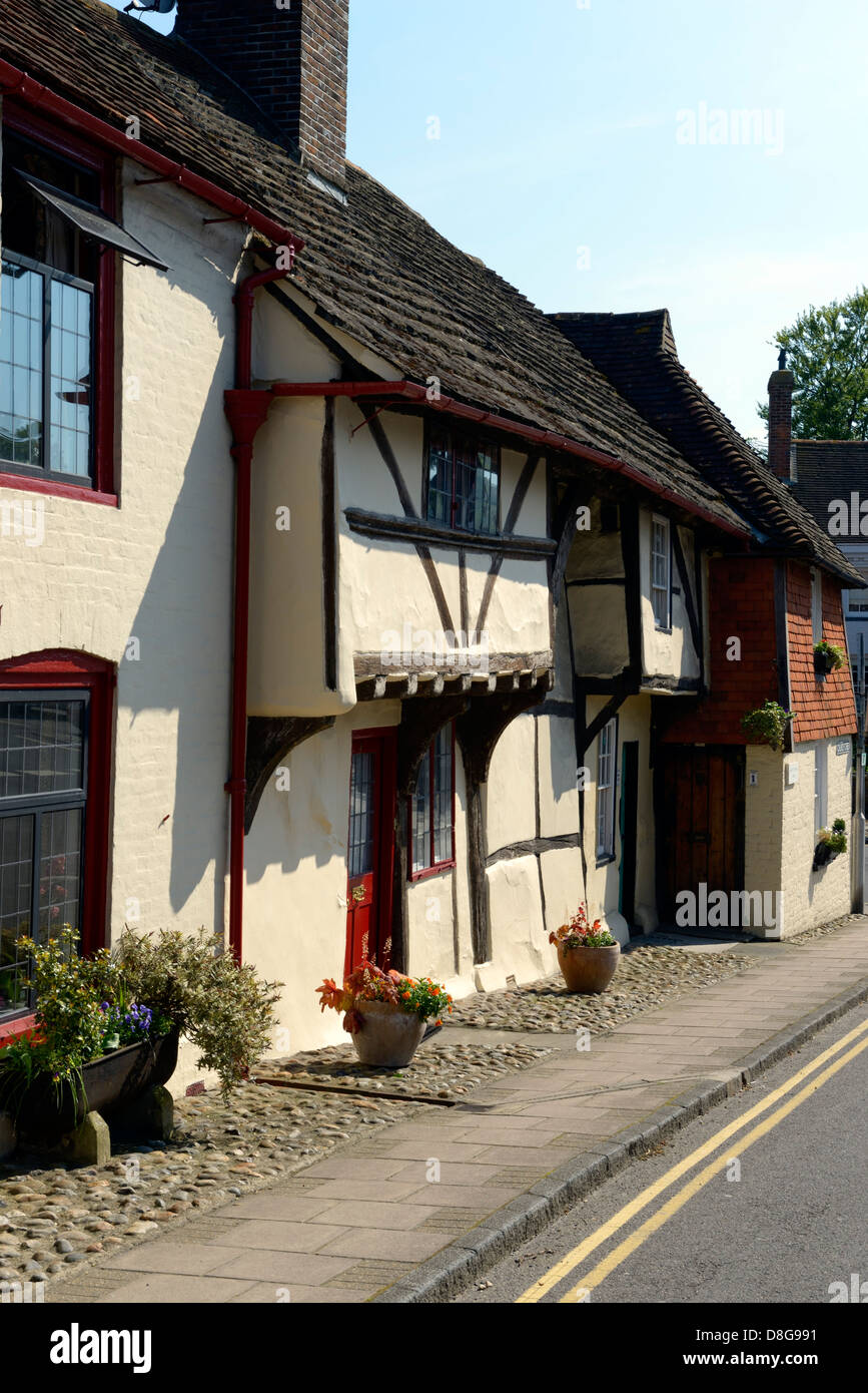 Timbered cottages on Church Street, Steyning, West Sussex, UK - Stock Image