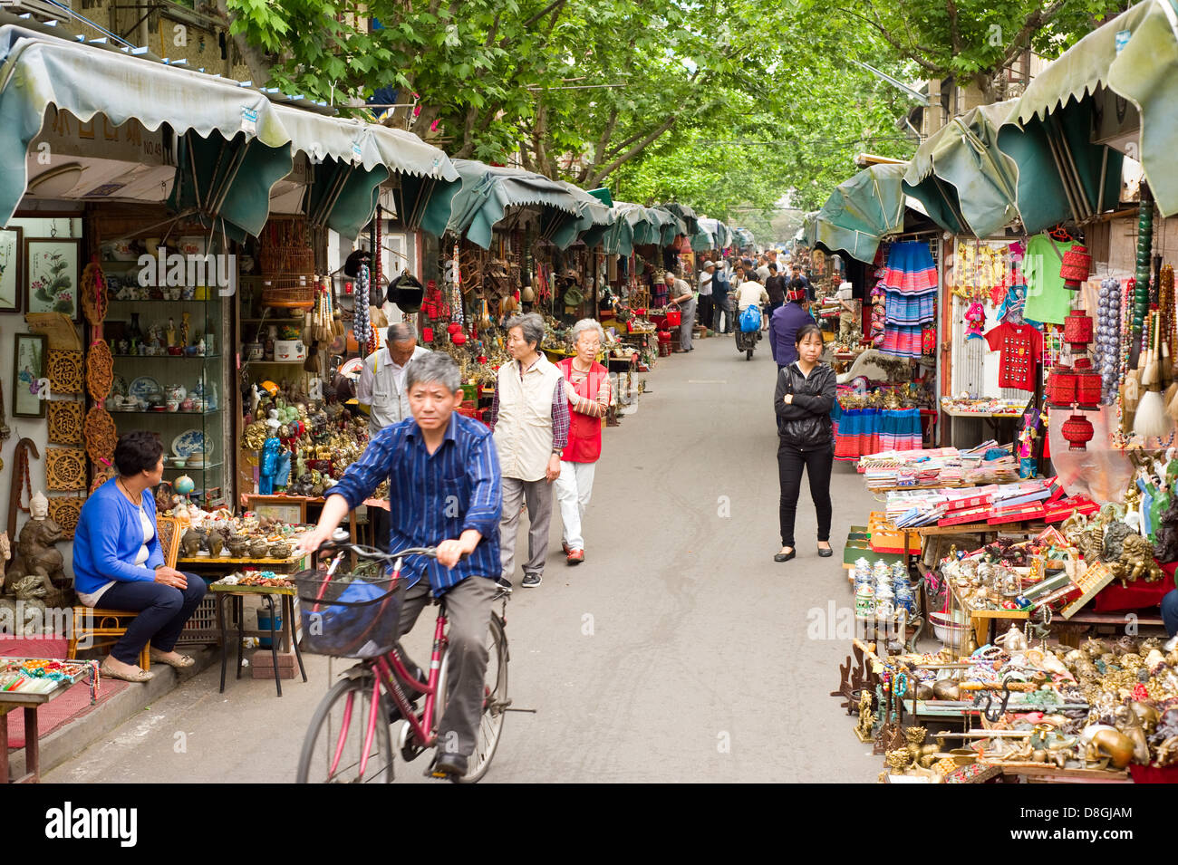 The Dongtai Road Antique Market in Shanghai, China. - Stock Image