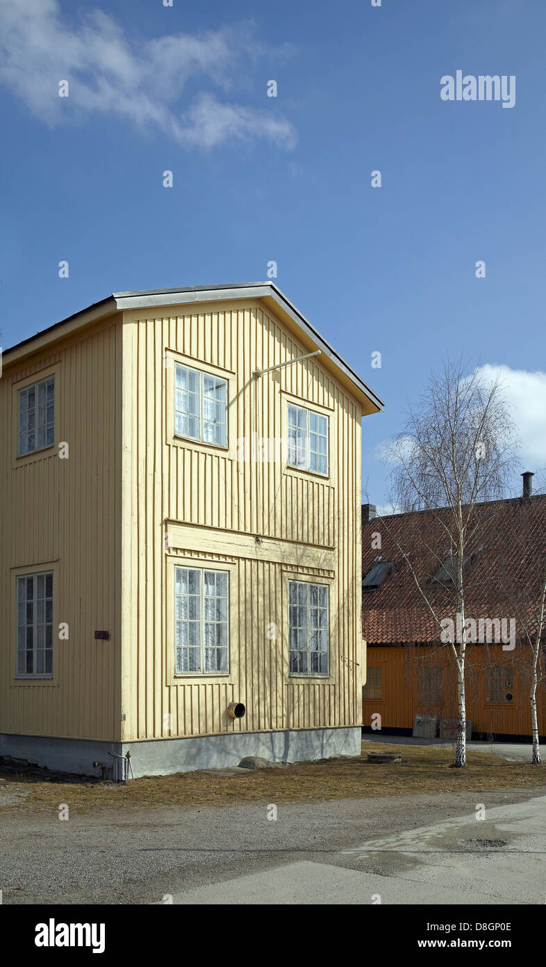 Yellow swedish house - Stock Image