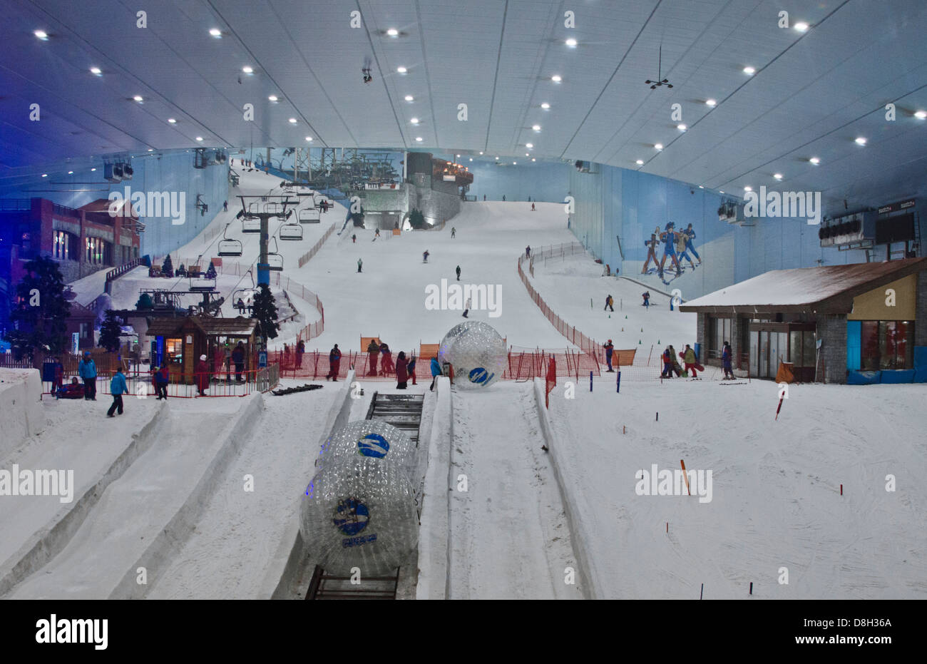 only indoor ski slope resort in the world at the mall of the