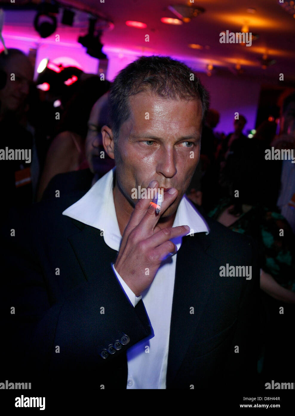 Til Schweiger smokes at the awarding ceremony of the German Film Award Lola on the 25th of April in 2008 in Berlin. - Stock Image