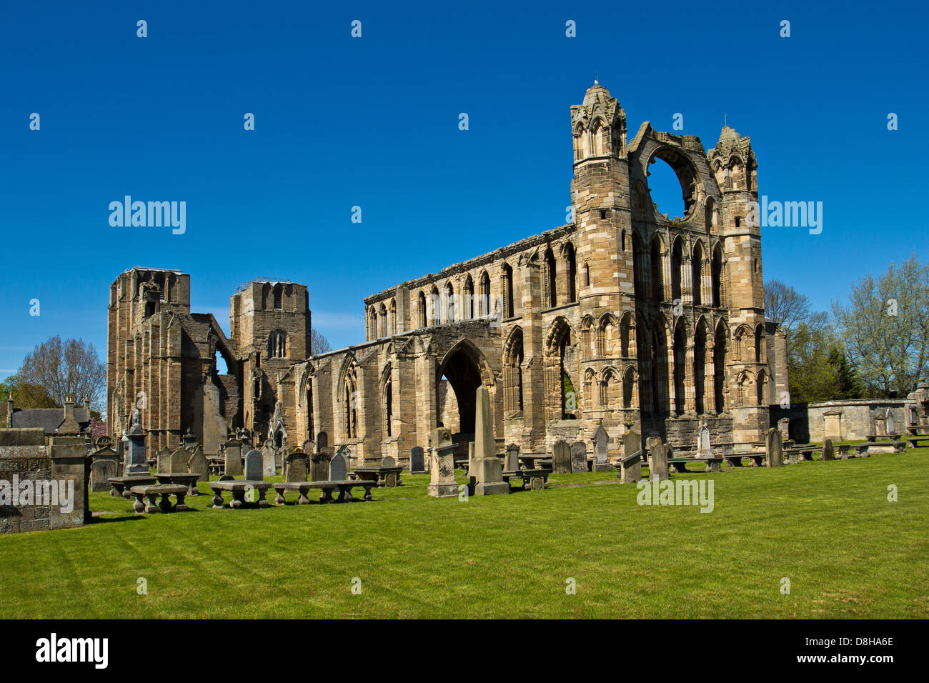 ELGIN CATHEDRAL IN EARLY SPRING A VIEW OF THE MAIN STRUCTURE MORAY SCOTLAND Stock Photo