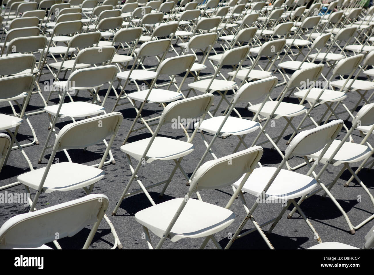 White Folding Chairs High Resolution Stock Photography And Images Alamy
