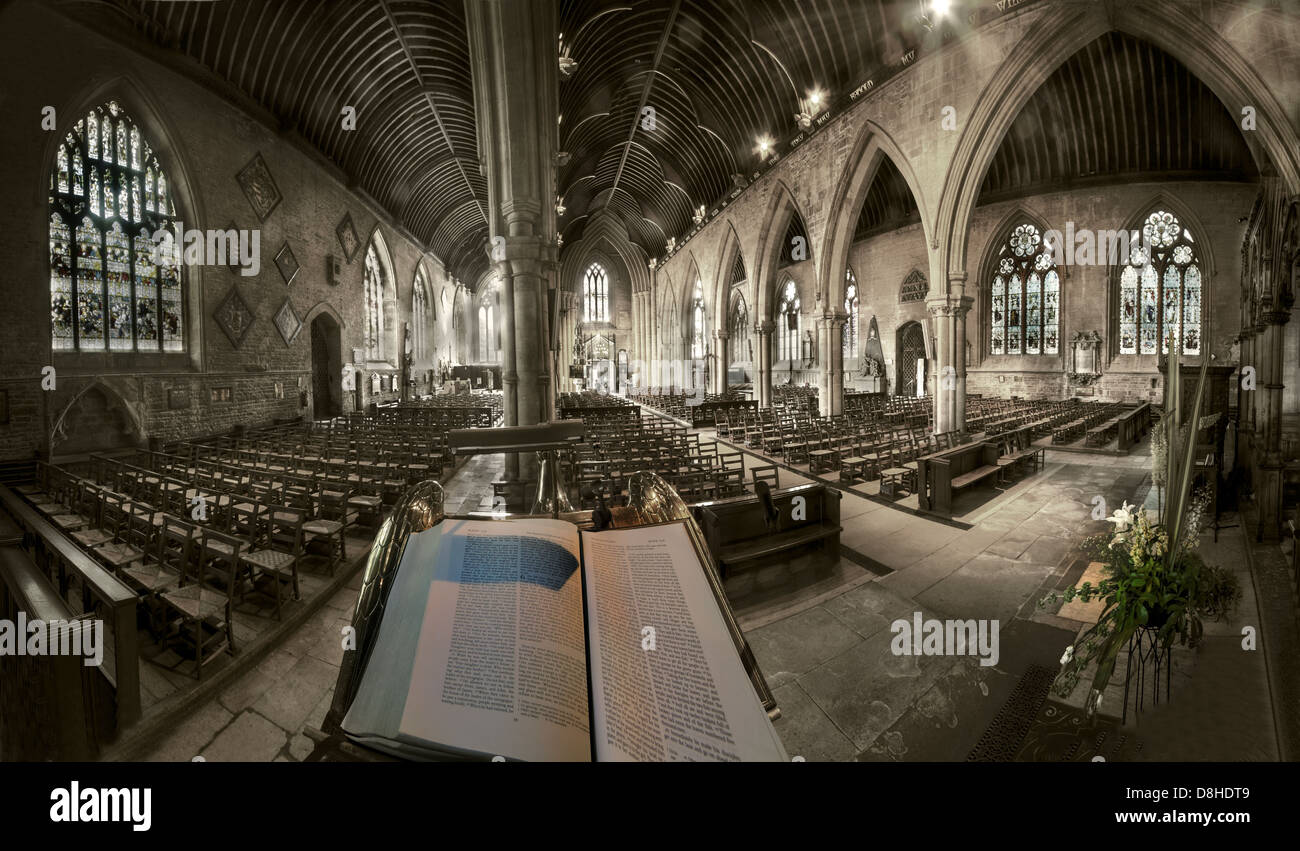 Wide angle view From The Pulpit St Wulframs Church Grantham Lincs, England, UK NG31 6RR Stock Photo