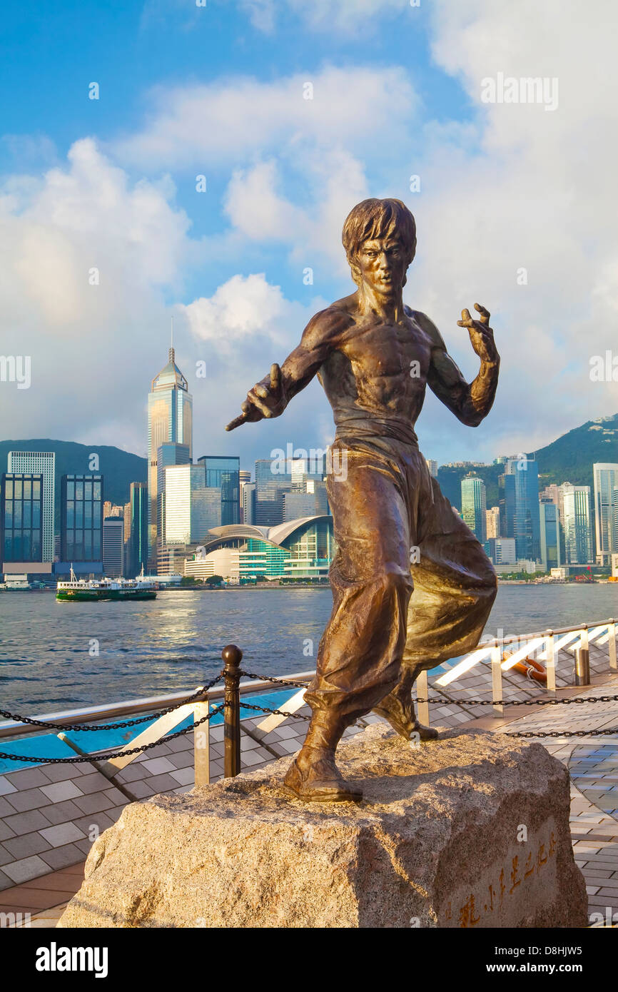 Kung Fu film star Bruce Lee statue, The Avenue of Stars, Tsim Sha Tsui, Kowloon, Hong Kong, China, Asia - Stock Image