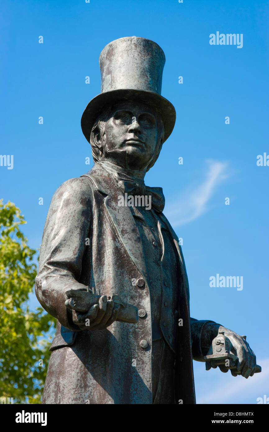 Detail of bronze statue of Isambard Kingdom Brunel at Neyland, Pembrokeshire . It was the last work of sculptor - Stock Image