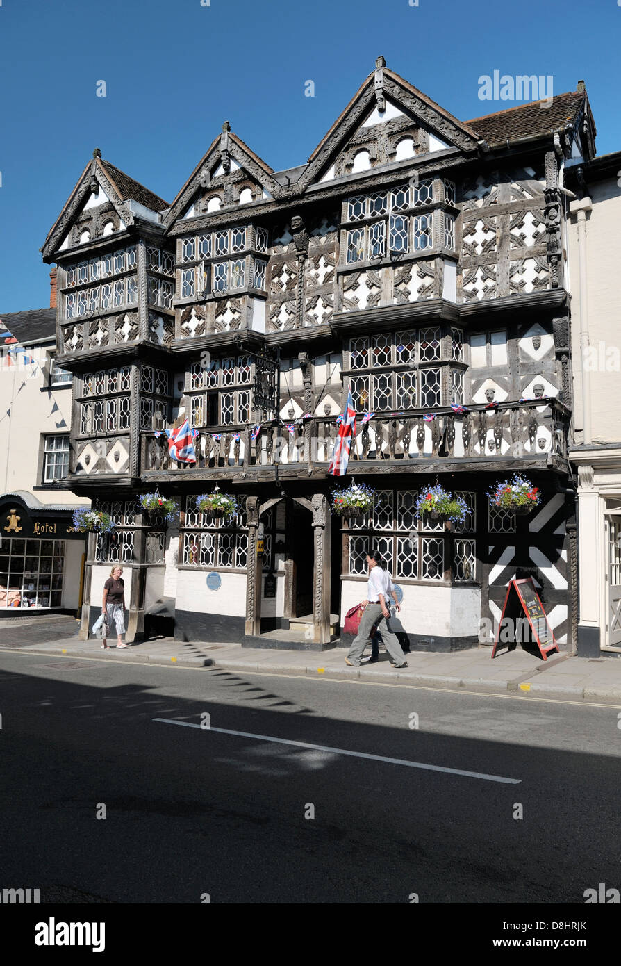 The famous Feathers Hotel in Ludlow, Shropshire, built as private home in 1619. Tudor style half-timbered building - Stock Image