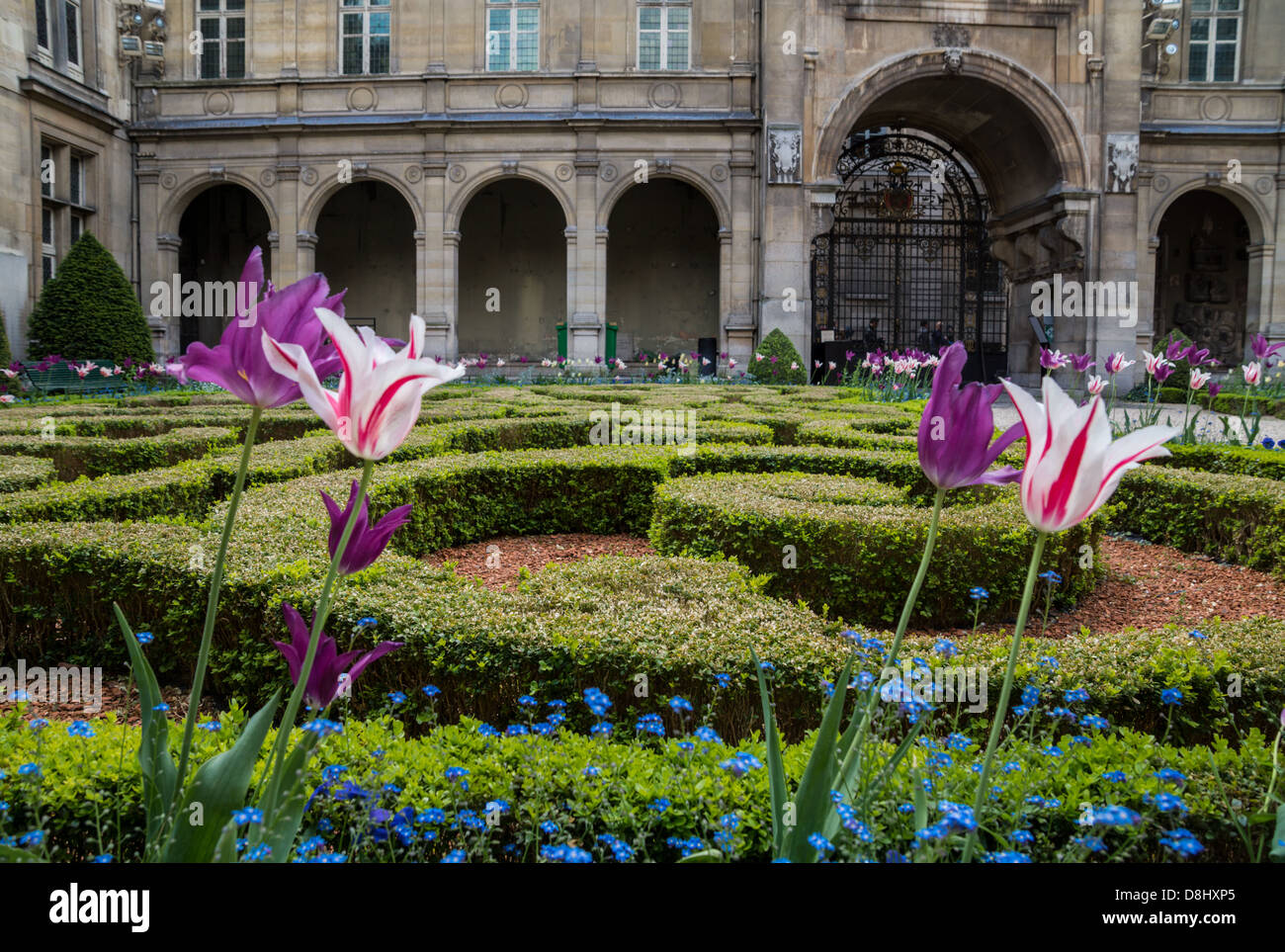 The Beautiful gardens of  Musee Carnavalet, the museum of the history of Paris. - Stock Image