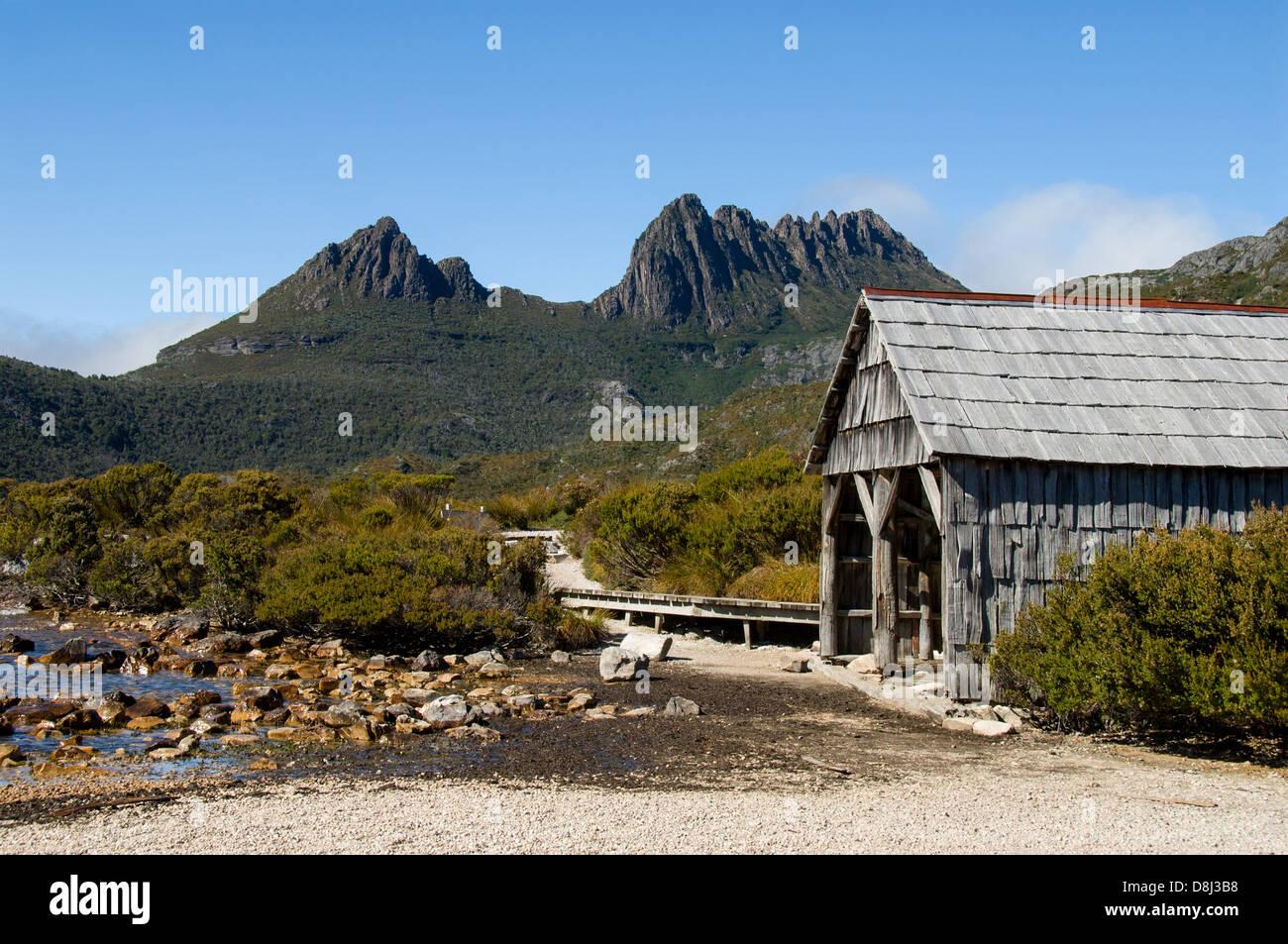 Fishing Hut on Dove Lake, Cradle Mountain National Park, Tasmania, Australia - Stock Image