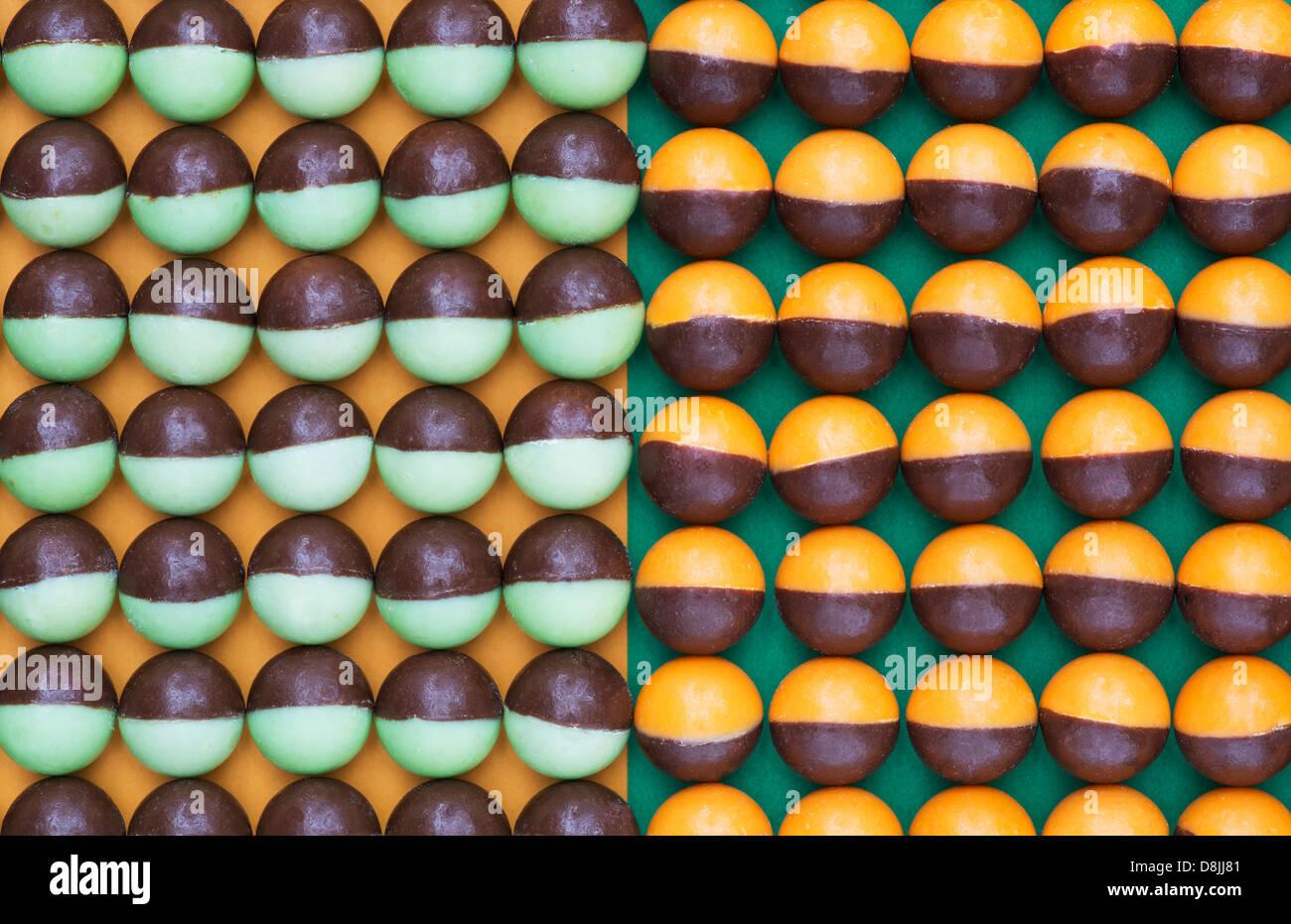Nestle Aero bubbles two toned pattern - Stock Image