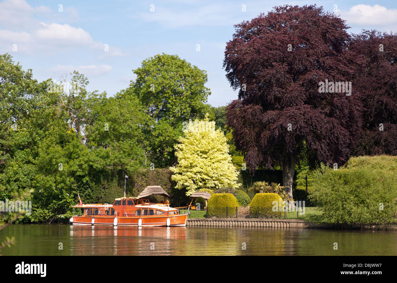 Riverside House and Boat Marlow UK Stock Photo