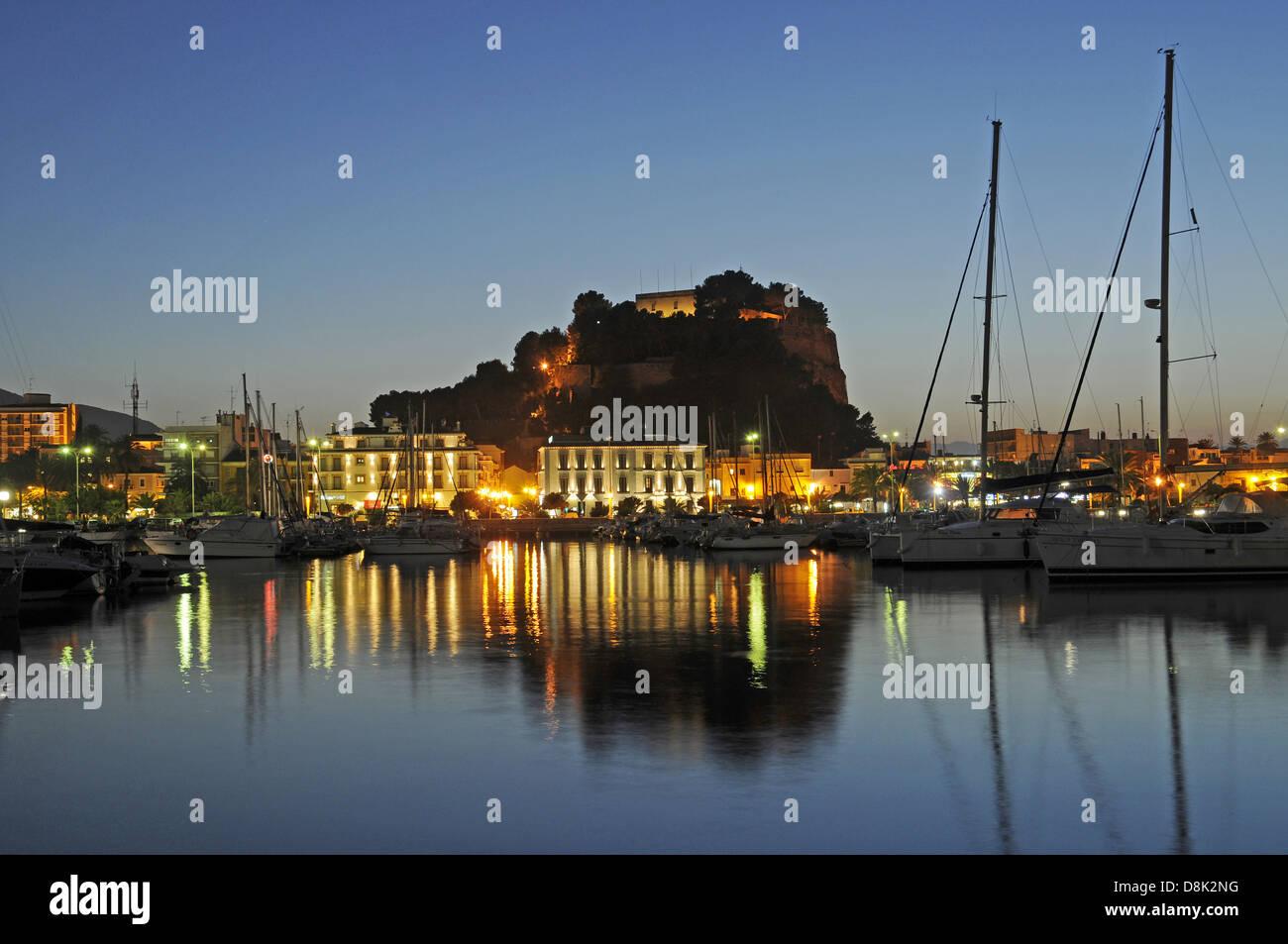 Hafen und Burg - Stock Image