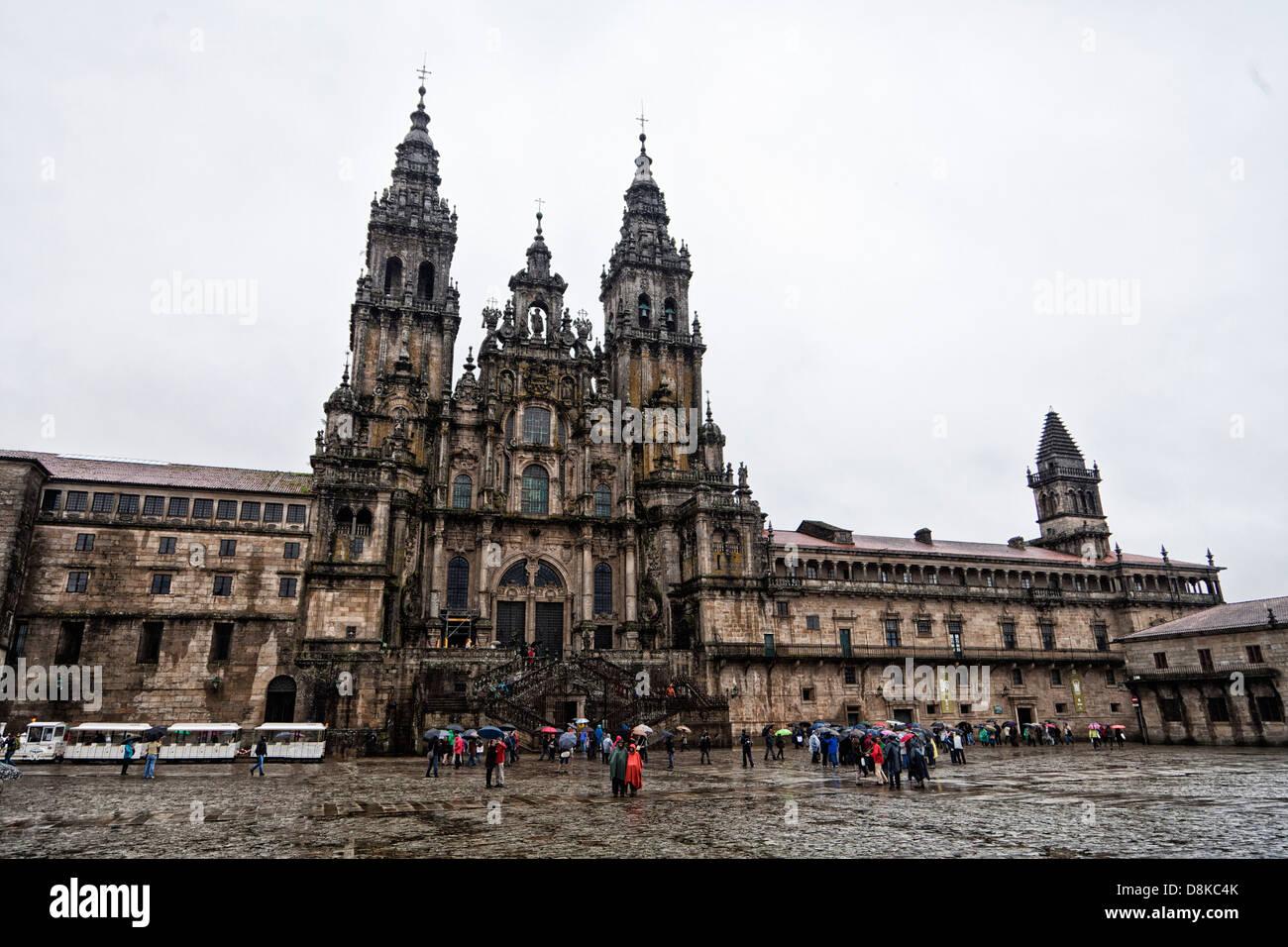 Praza de Quintana and Cathedral, Santiago de Compostela Spain, in the rain - Stock Image