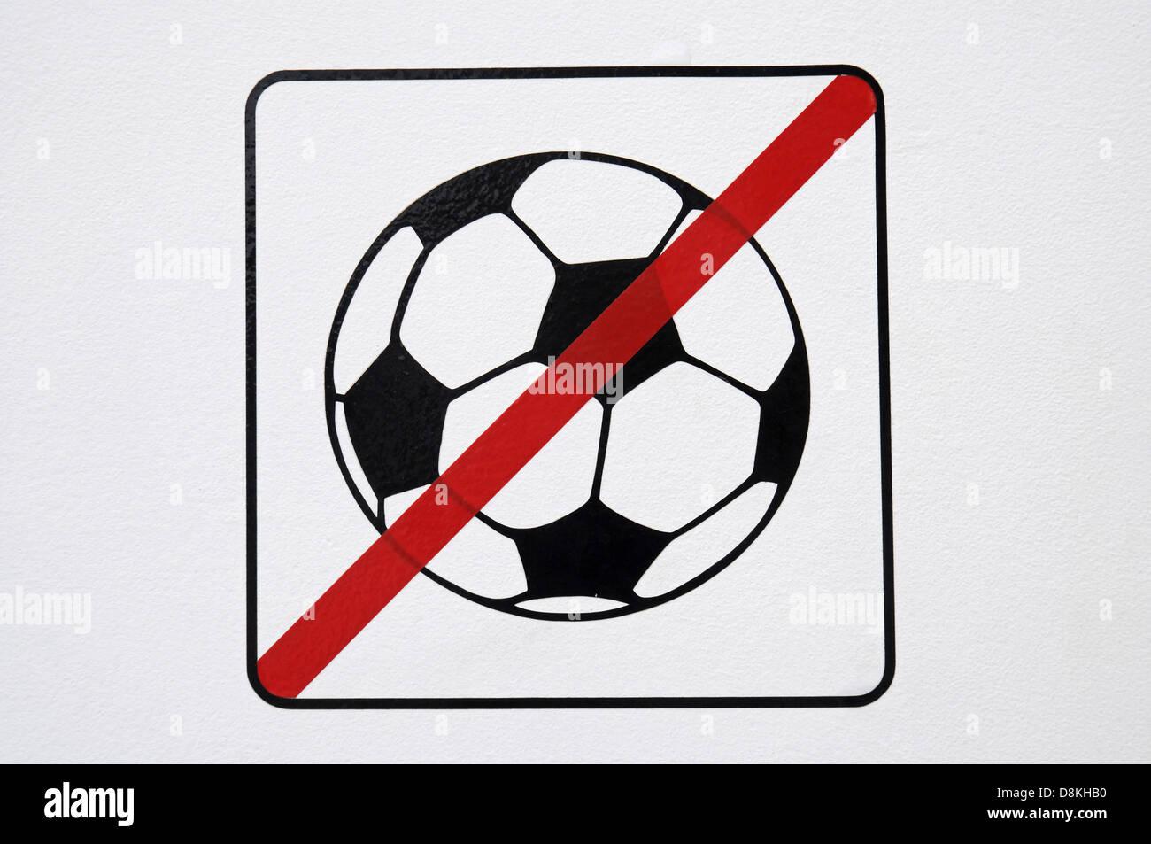 Fussball spielen verboten Stock Photo