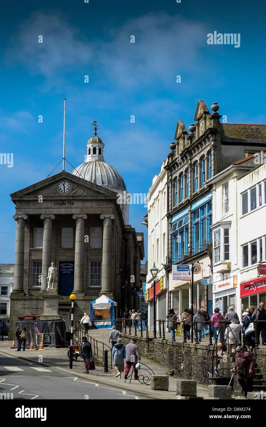 Market Jew Street in Penzance, Cornwall. - Stock Image