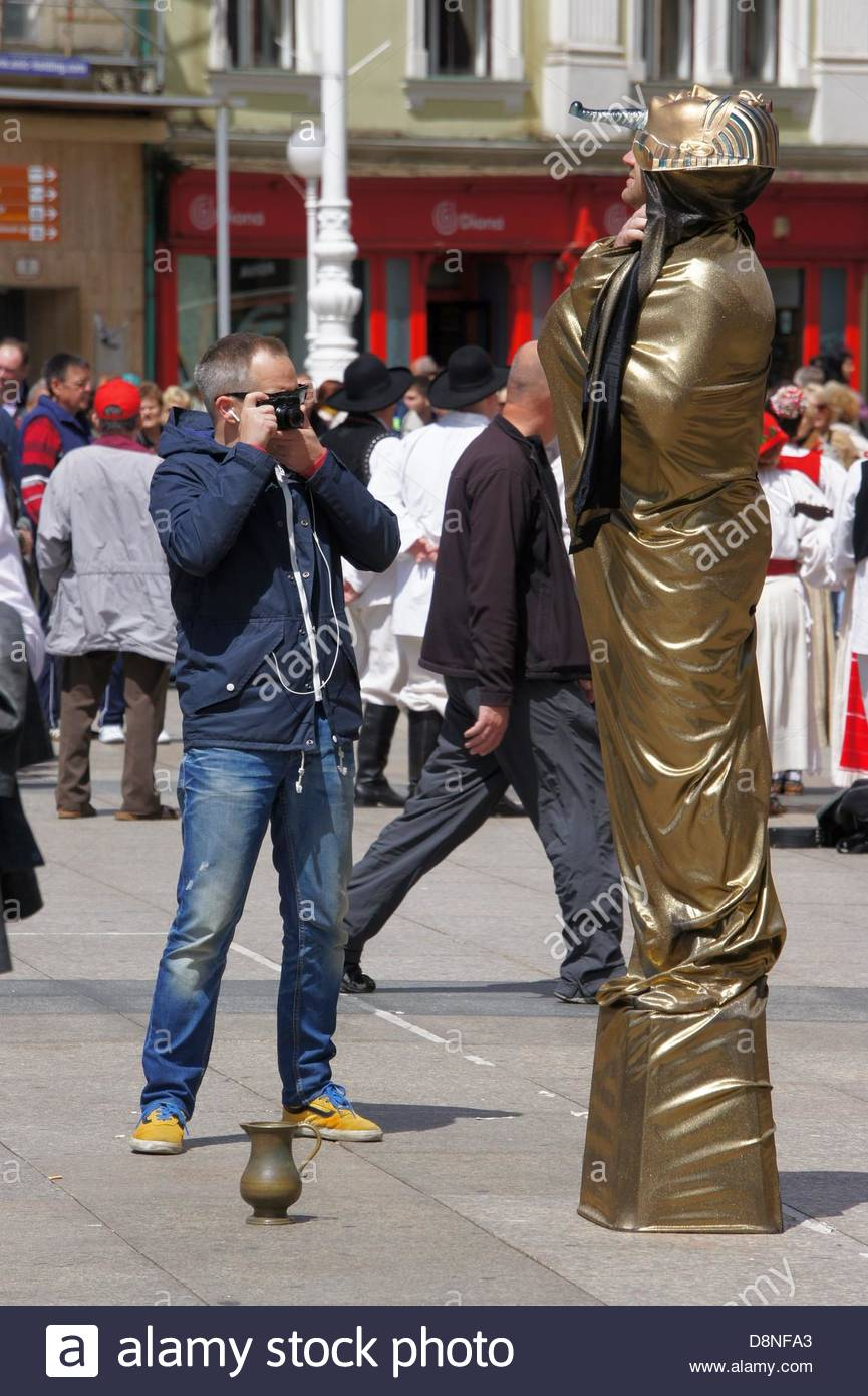 Zagreb,Croatia. 01.06.2013. A well known mime on Ban Jelacic Square entertains citizens - Stock Image