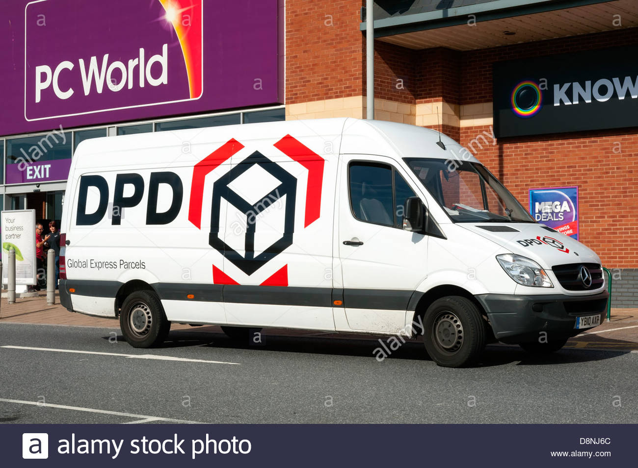 Courier Van Stock Photos & Courier Van Stock Images - Alamy