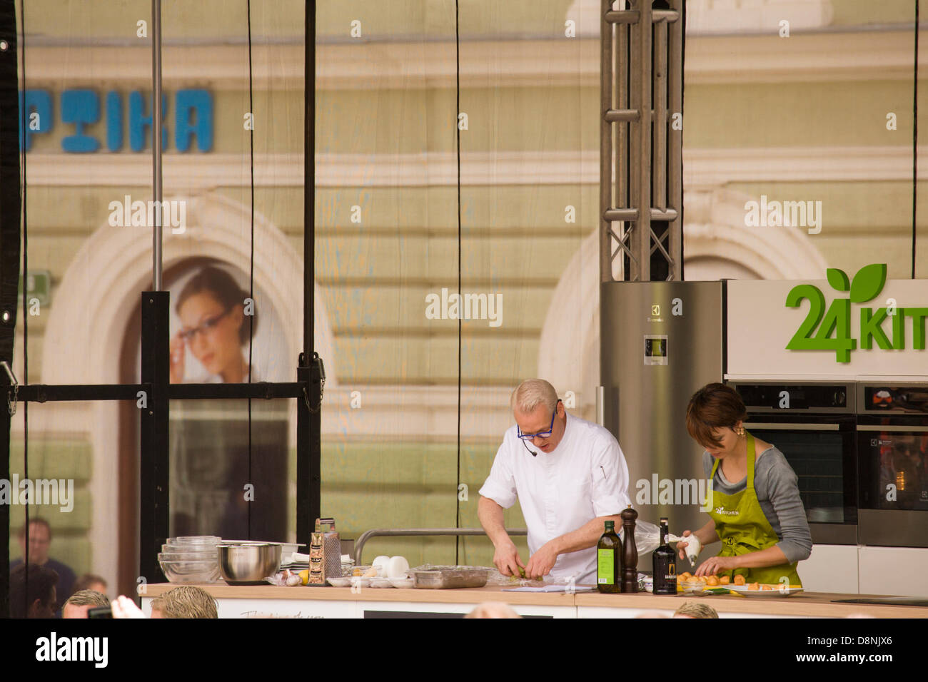 Ljubljana, Slovenia. 1st June, 2013. Celebrity chef Rudolph van Veen cooks for a crowd in Kongresni Trg, Ljubljana, - Stock Image