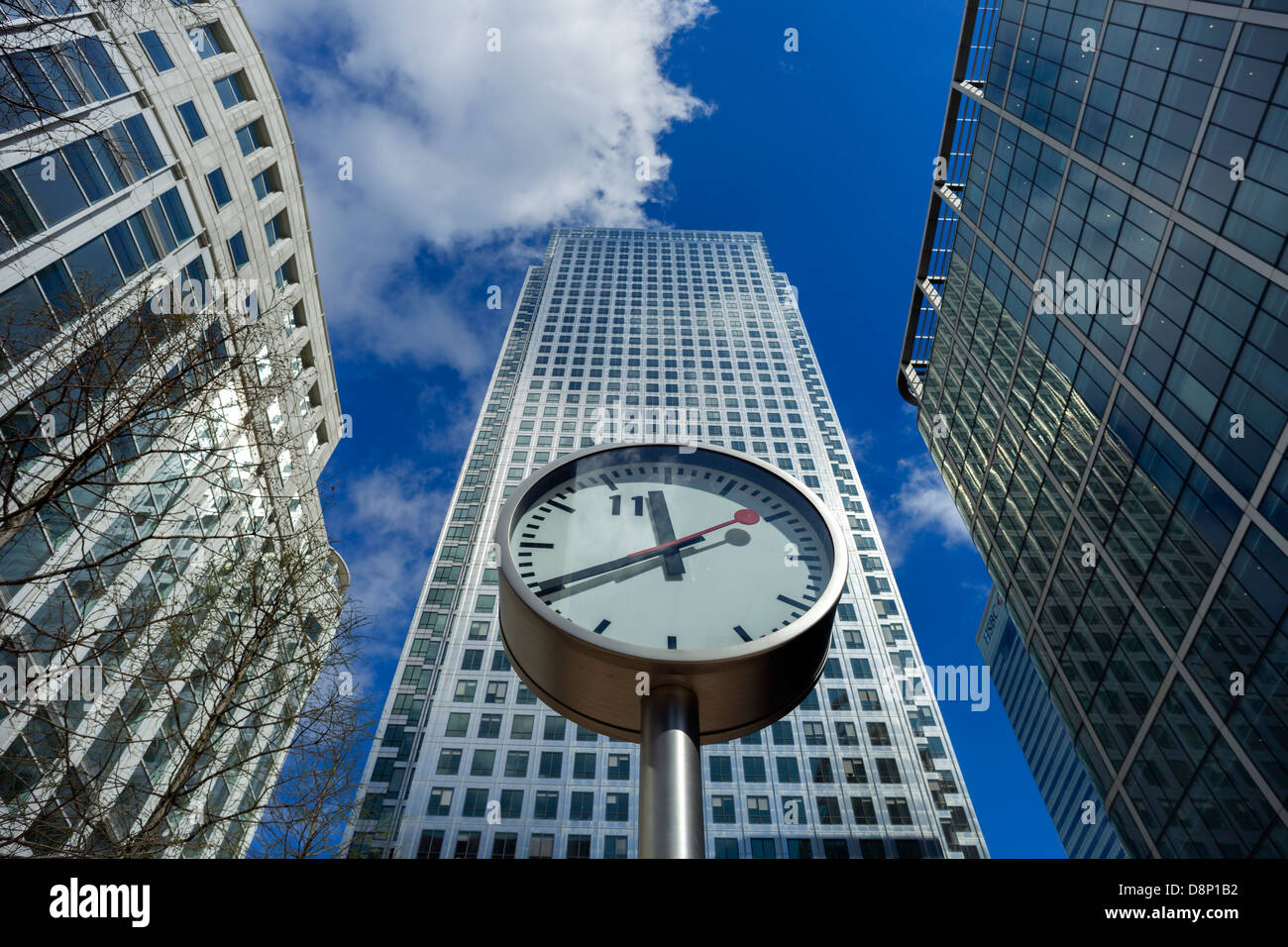 Clock at One Canada Square (second tallest building in UK), Canary Wharf, Tower Hamlets, London, England - Stock Image