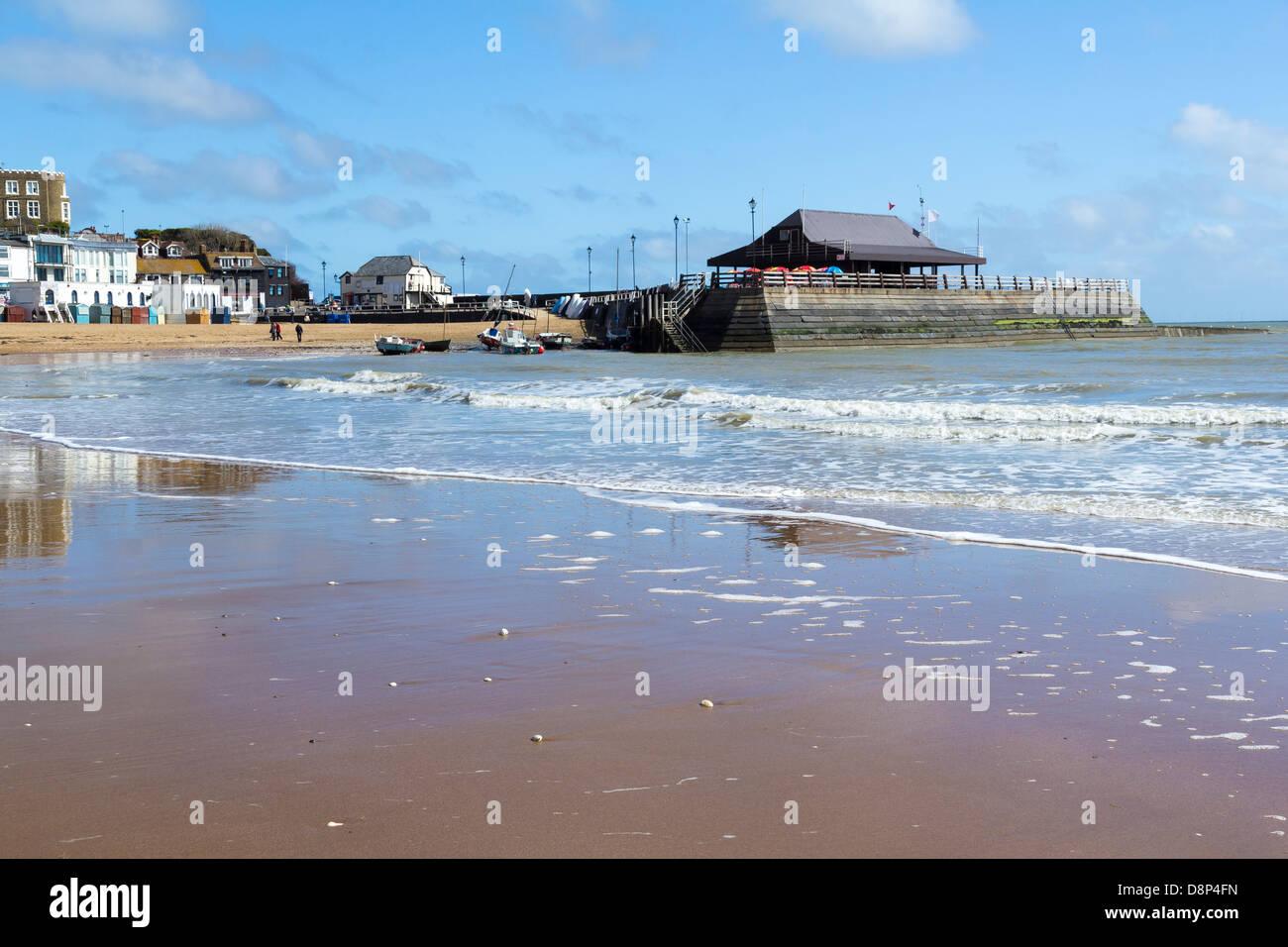 Viking Bay at Broadstairs, on the Isle of Thanet, Kent England UK Stock Photo