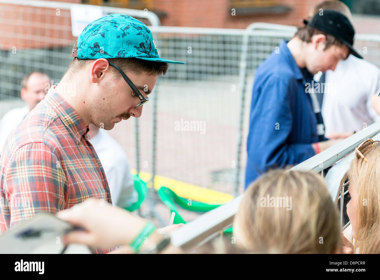 Moscow, Russia. 1st June, 2013. Gus Unger-Hamilton and Thom Green (Alt-J) autographs on Moscow Ahmad Tea Music Festival. Stock Photo