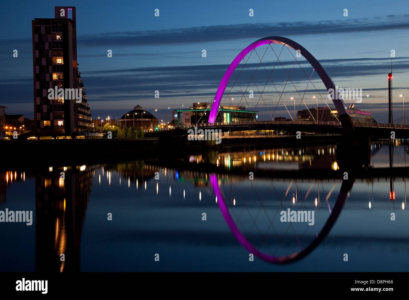 Clyde Arc (Squinty Bridge) over the river Clyde in Glasgow City Centre. - Stock Image