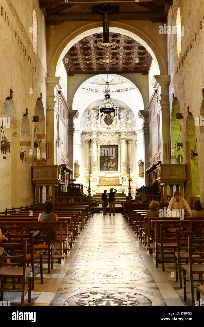 Interior of Baroque Cathedral or duomo in Siracusa (Syracuse), Sicily, Italy UNESCO - Stock Image
