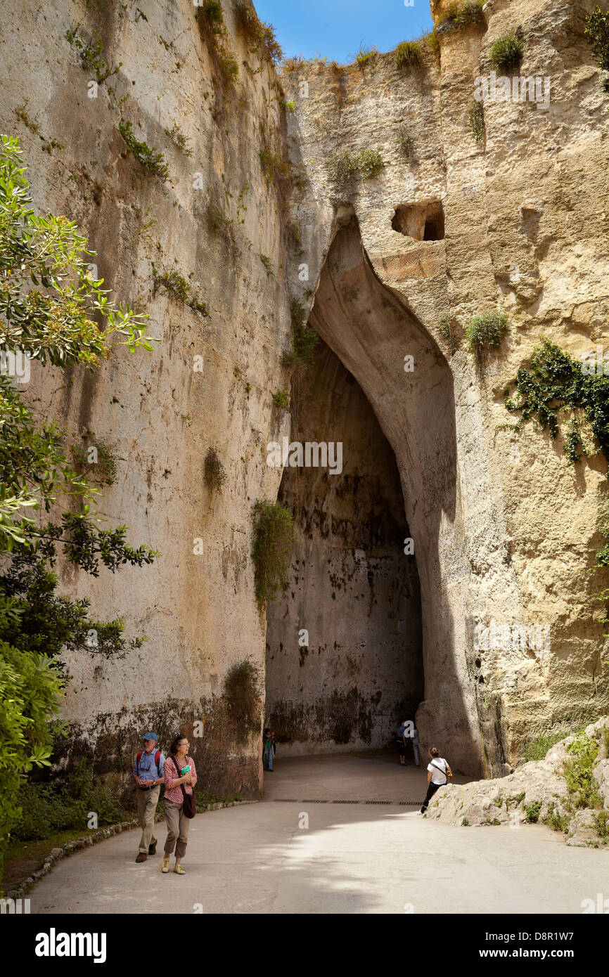 Entry to the cave known as the Ear of Dionysius (Orecchio di Dionisio), Siracusa, Sicily, Italy - Stock Image