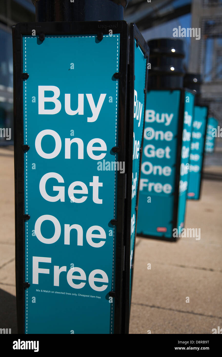 Buy 1 Get 1 Free Stock Photos & Buy 1 Get 1 Free Stock Images - Alamy