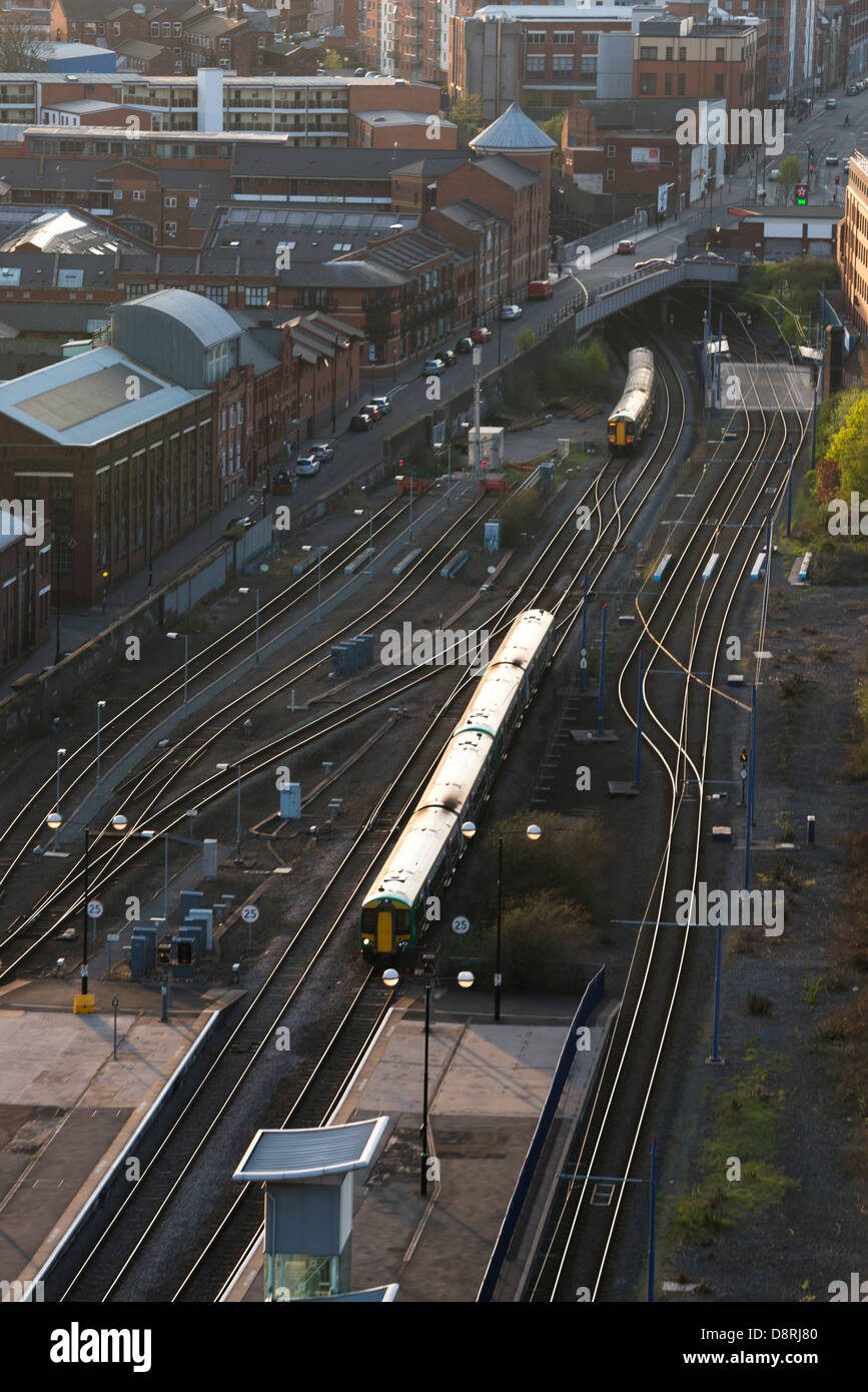 A train puling in to Snow Hill station. Birmingham, West Midlands, England, UK, also shown in the Jewellery Quarter. Stock Photo