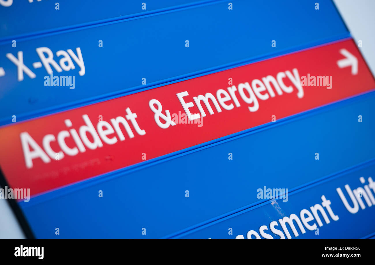 Signage in a modern hospital to accident and emergency. - Stock Image